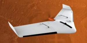 1日で東京ドーム8個分の測量が可能!? 埋立地の測量に固定翼のドローンが採用される