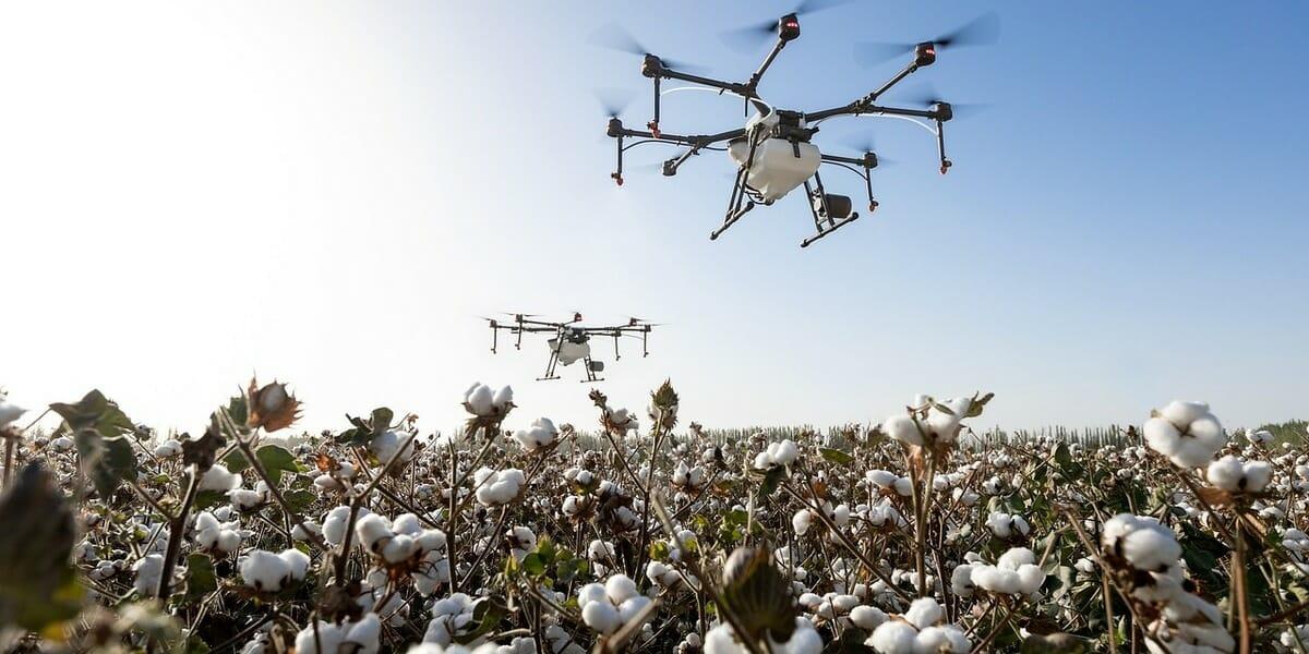 2025年には40万台のドローンが空を飛び交うことを想定し、EUがドローンのガイドラインを発表