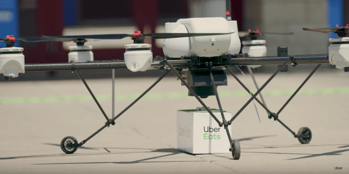 Uber Eatsが最初のドローン配達を完了!食べ物がドローンで配達される未来は近い!?