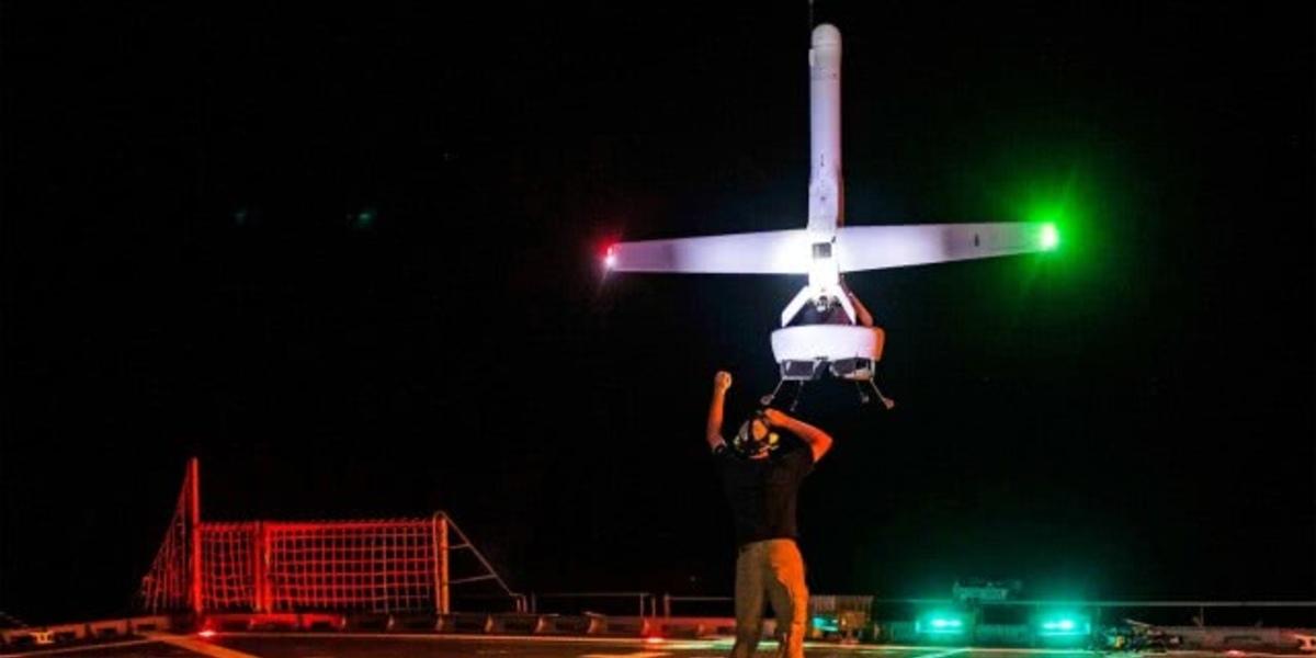 米海軍が垂直飛行のドローンを製造!飛行テストが行われる