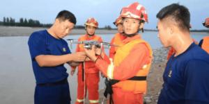 中国の黄河にて、河川の氾濫で閉じ込められた人々をドローンが救出!