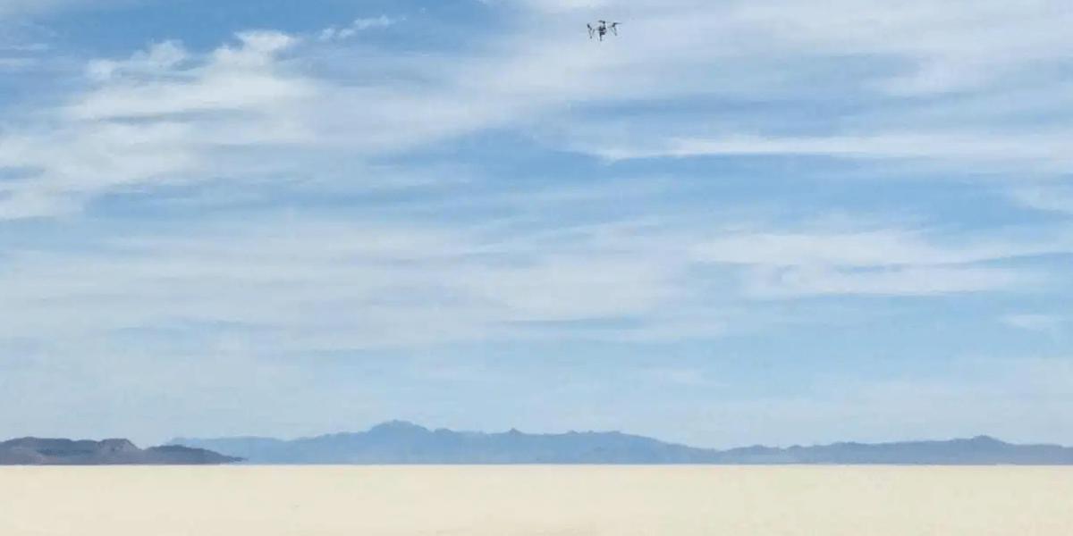 ドローンがブラックロック砂漠を横断!フライト時間は70分を超える