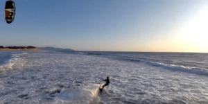 Skydio2で撮影されたカイトボーダーの様子が公開!強風でもブレない映像に注目