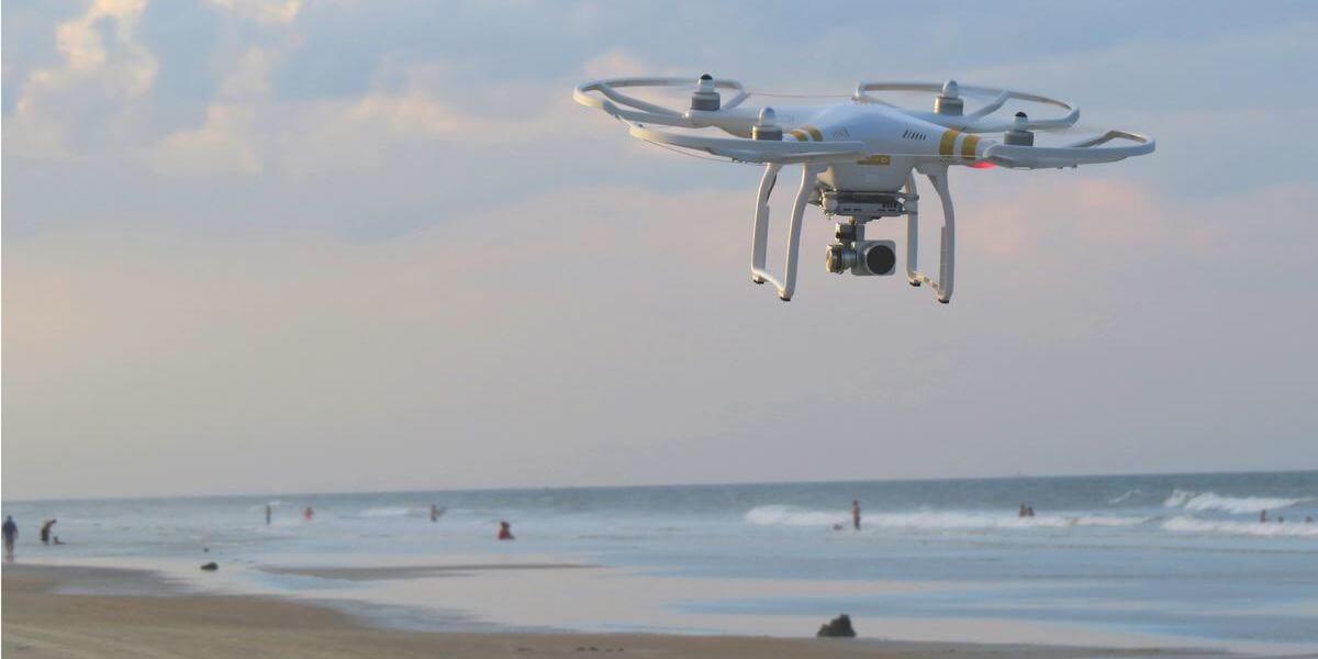 ドローン撮影を海でするには許可が必要?法律などの規制は適用される?