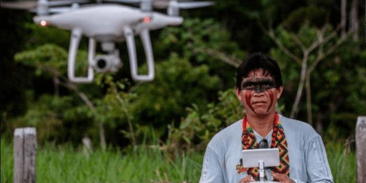 アマゾンの熱帯雨林を守るため、ブラジルの先住民がドローンを使用