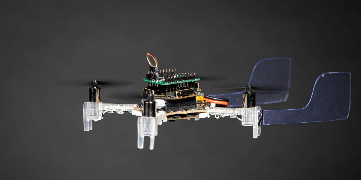 匂いを検出して飛行するドローン「Smellicopter」開発 – ワシントン大学