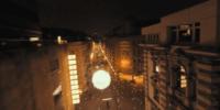FPVドローンで撮影された幻想的なクリスマスの街の映像が公開