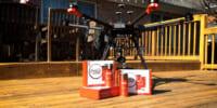 コカ・コーラとウォルマートが提携、コーラ×コーヒーの新製品をドローン配達
