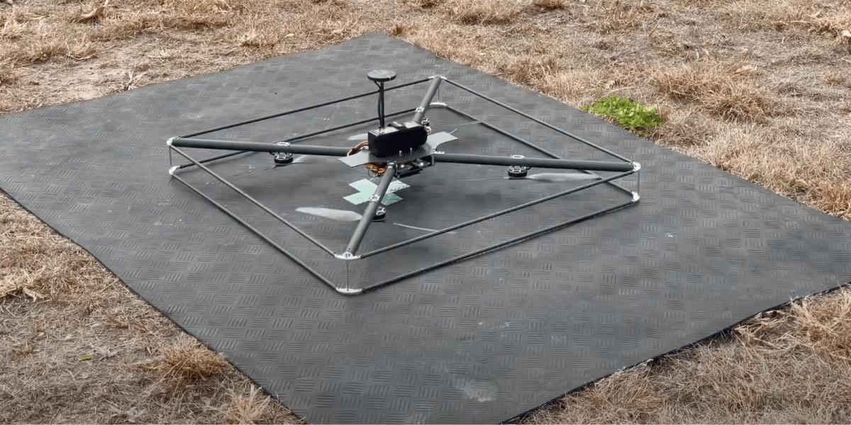 ドローンがピンポイント着陸できるシステムを開発 – 株式会社アトラックラボ