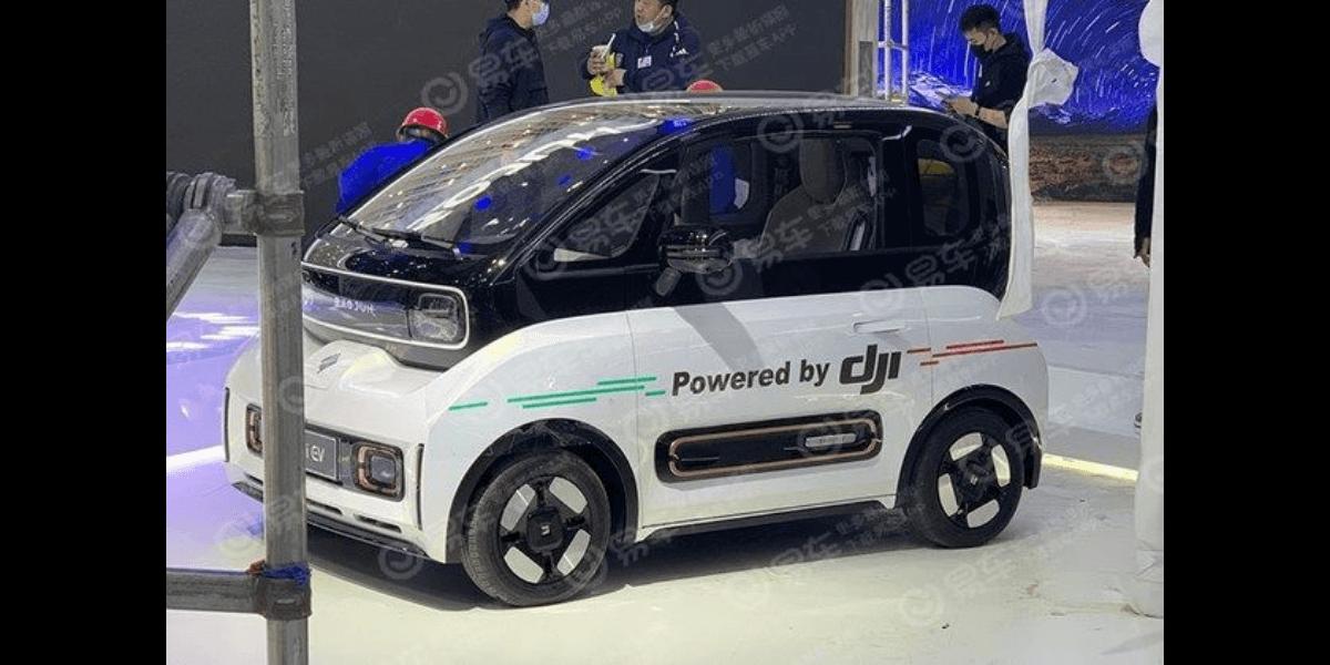 上海国際モーターショーにて、DJIの自動運転技術搭載の電気自動車が公開