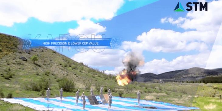 トルコ製の神風ドローンが人型マネキンを爆撃する様子が公開