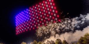 7月4日、アメリカ各地でドローンライトショー&花火開催